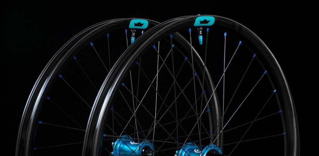 NOBL_TR36_I9-Wheelset_Crown-Decal_Best-Carbon-Wheels-copy